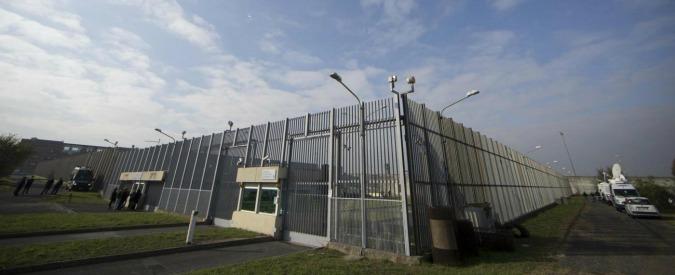 Rebibbia, tre detenuti evadono dal carcere nella notte. Hanno usato lenzuola annodate e manici di scopa