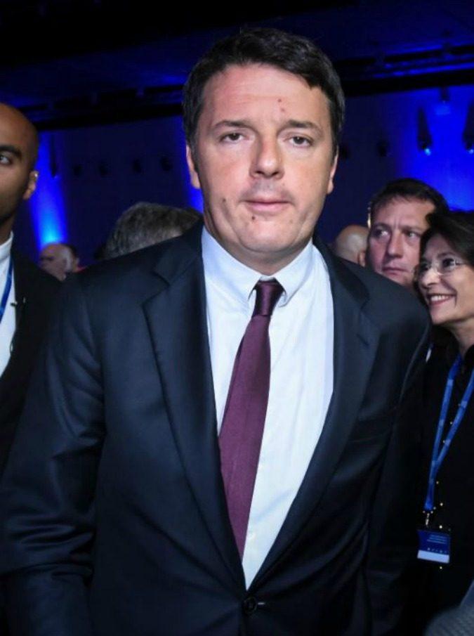 Dino Giarrusso corregge Matteo Renzi su un congiuntivo e su Twitter scoppia il caos. Ma il finale non è così scontato