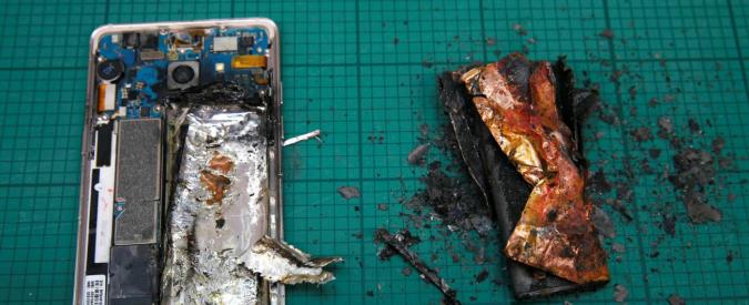 Samsung, Alitalia vieta lo smartphone Galaxy Note 7 a bordo degli aerei