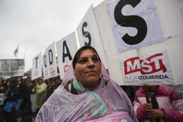 Sud America, manifestazioni contro la violenza sulle donne
