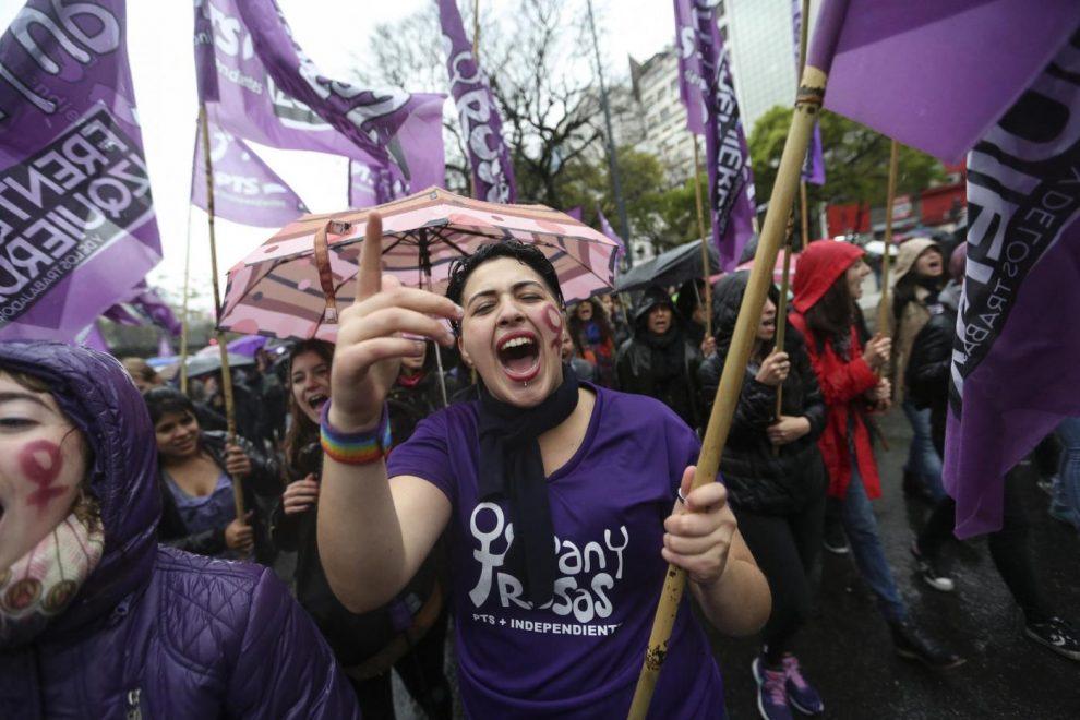 gli uomini della società donna argentina