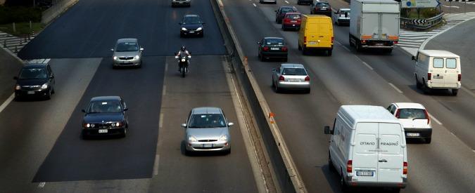 Assalto a portavalori nel Milanese, commando spara in tangenziale: bottino da un milione e mezzo di euro