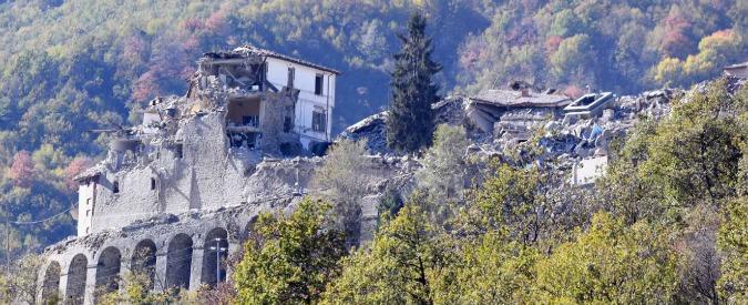 """Terremoto Centro Italia, """"Si è aperta la terra"""", """"E' l'inferno"""": la disperazione dei paesi attraverso le voci dei sindaci"""