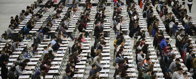 Università, giusto lo sciopero dei docenti: il blocco salariale è il simbolo dell'attacco all'istruzione