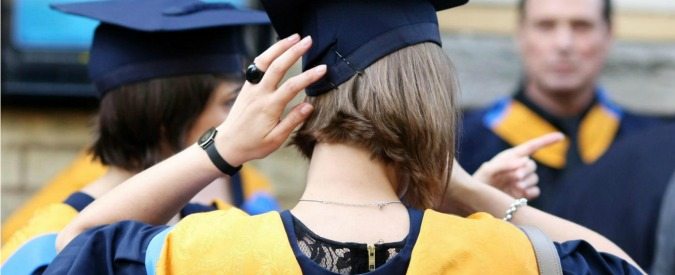 Università, in Italia pochi laureati ma i loro stipendi restano bassi. Perché?