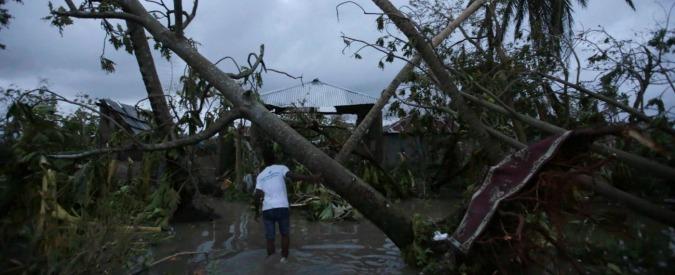 Uragano Matthew, minacciati otto milioni di americani. Obama dichiara lo stato di emergenza in Florida