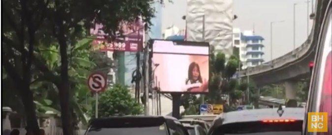 Indonesia, il video porno sul maxischermo blocca il traffico