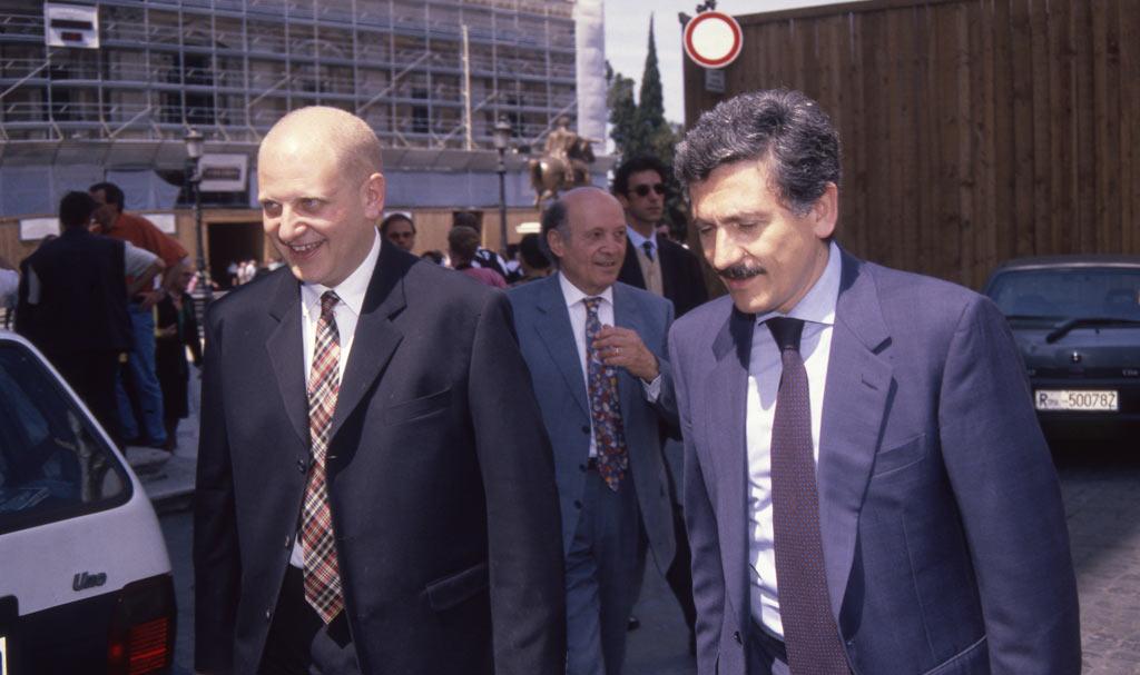 La gens dalemiana con Renzi. Nessuno scrive più al Líder M.
