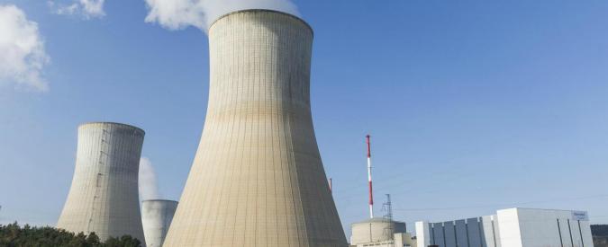 """Centrali nucleari, referendum in Svizzera domenica su chiusura. Axpo: """"Chiederemo i danni se vince il sì"""""""