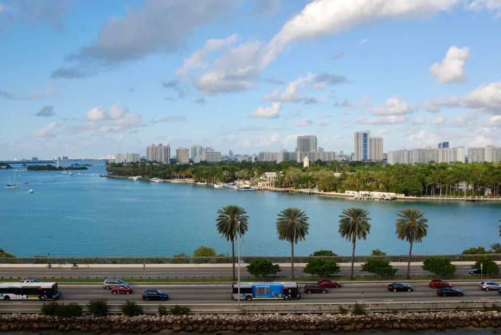 Strada di collegamento fra Downtown Miami e Miami Beach