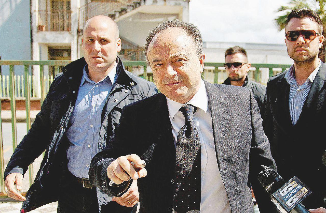 """""""Il governo e i partiti immobili contro mafie e corruzione"""""""