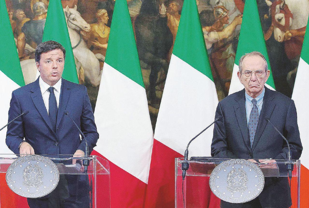 """""""Cifre fasulle"""", Juncker svela il bluff su sisma e rifugiati"""