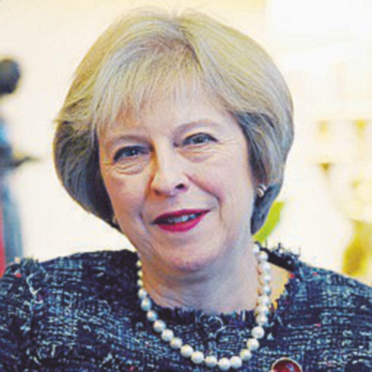 "Theresa May alla Casa Bianca: ""Mi manda Farage"""