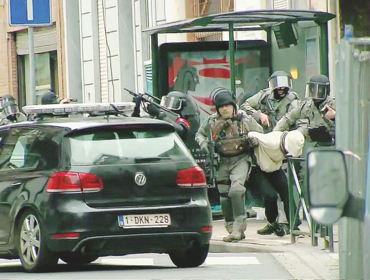 """""""In Europa legami più stretti tra crimine e terroristi Isis"""""""