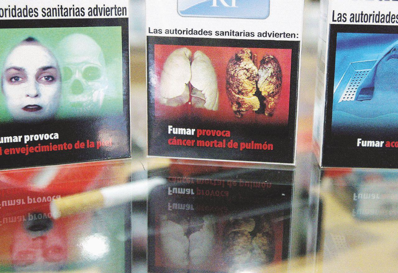 Gli strani casi europei dei fumatori specchio