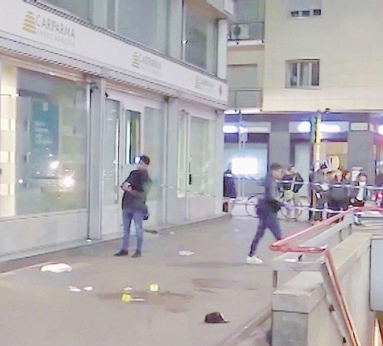 Milano, l'esercito contro gang e islamisti