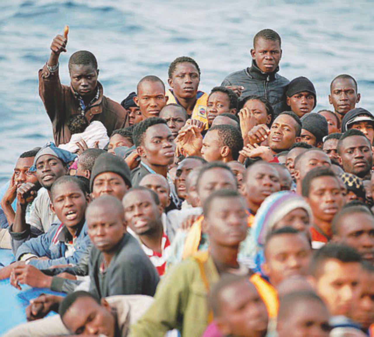 Ancora stragi nel Mediterraneo. 340 migranti annegati in 48 ore