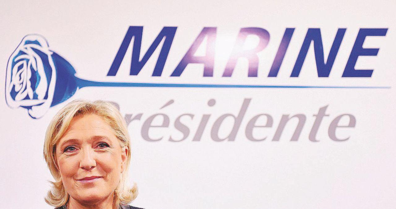 Le Pen punta sugli esclusi, con un tocco chic