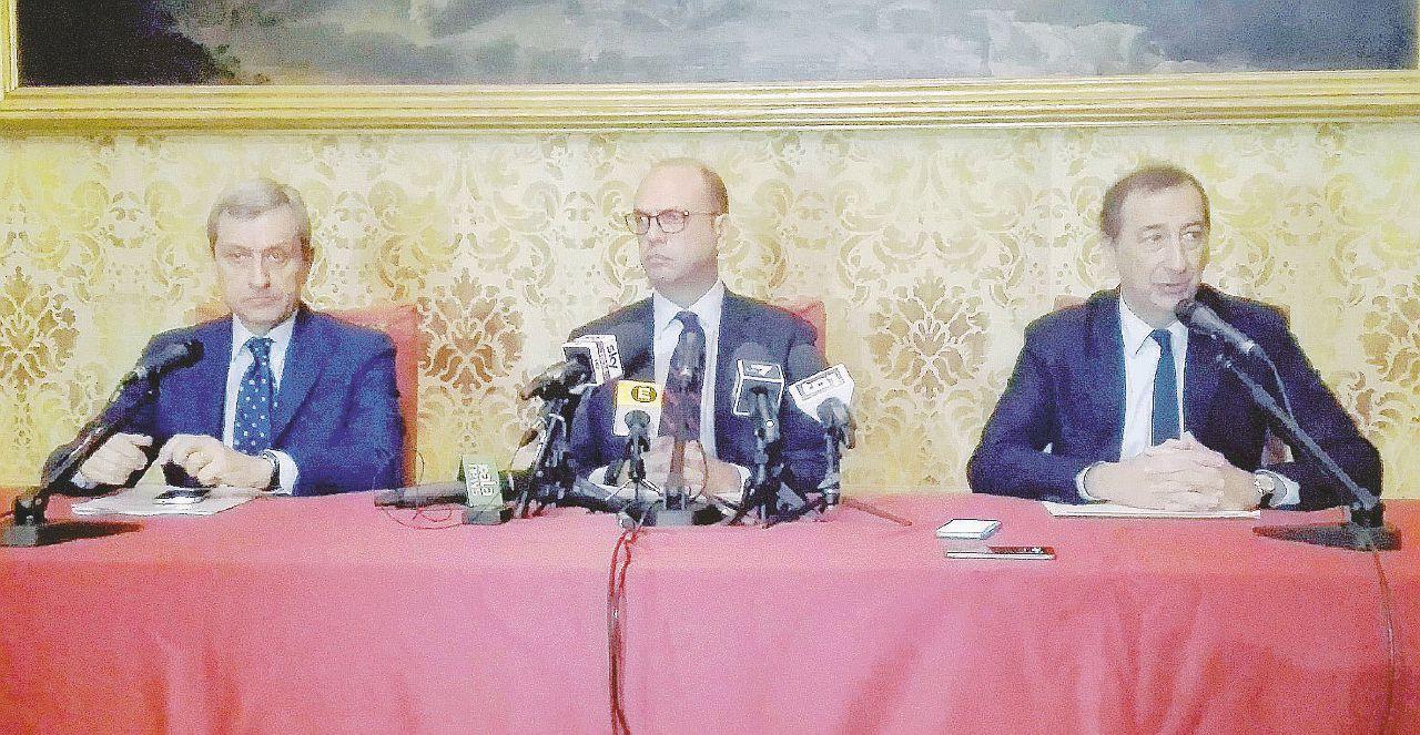 """Milano città chiusa Alfano: """"Immigrati stop, sì ai militari"""""""