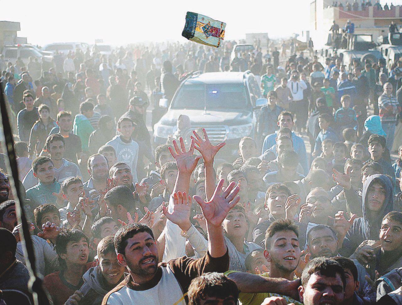 Dopo l'Isis: cibo e farmaci scarsi, la libertà è una sigaretta