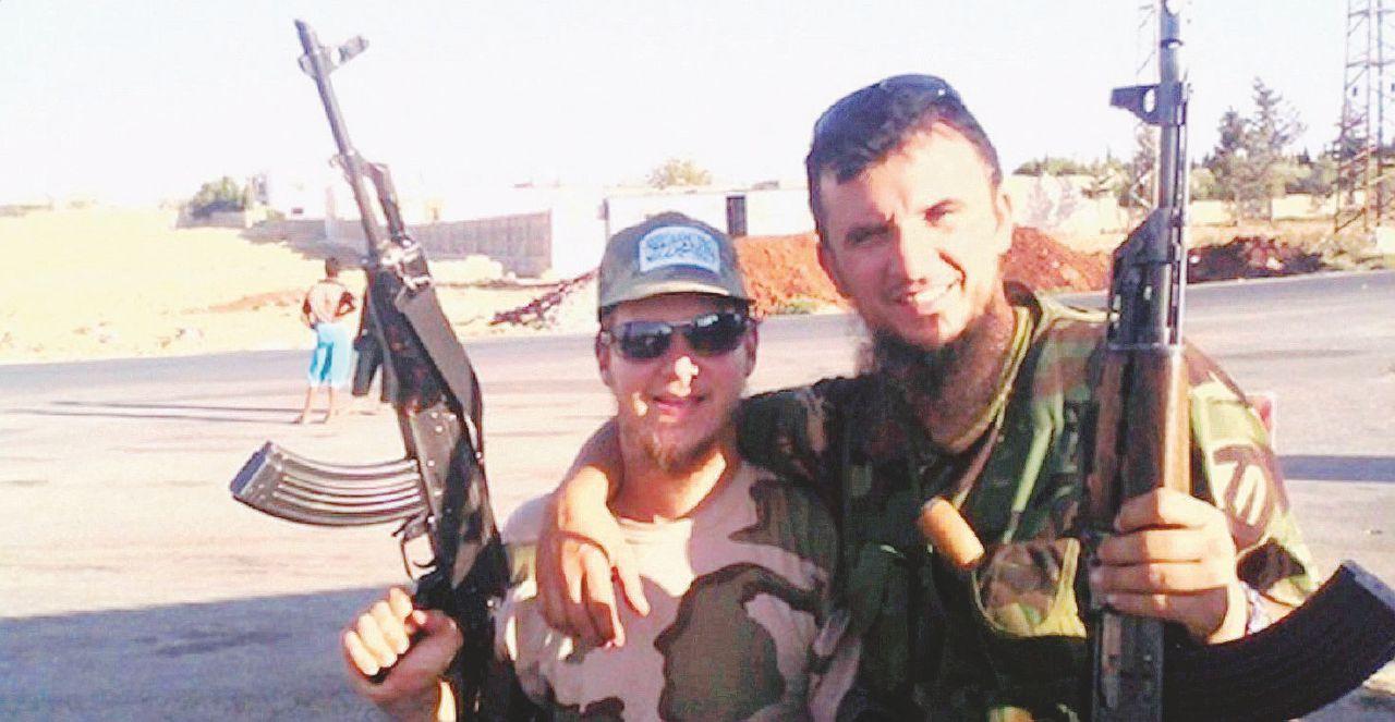 """Il primo pentito Isis: """"Ecco la nostra rete di soldati e imam"""""""