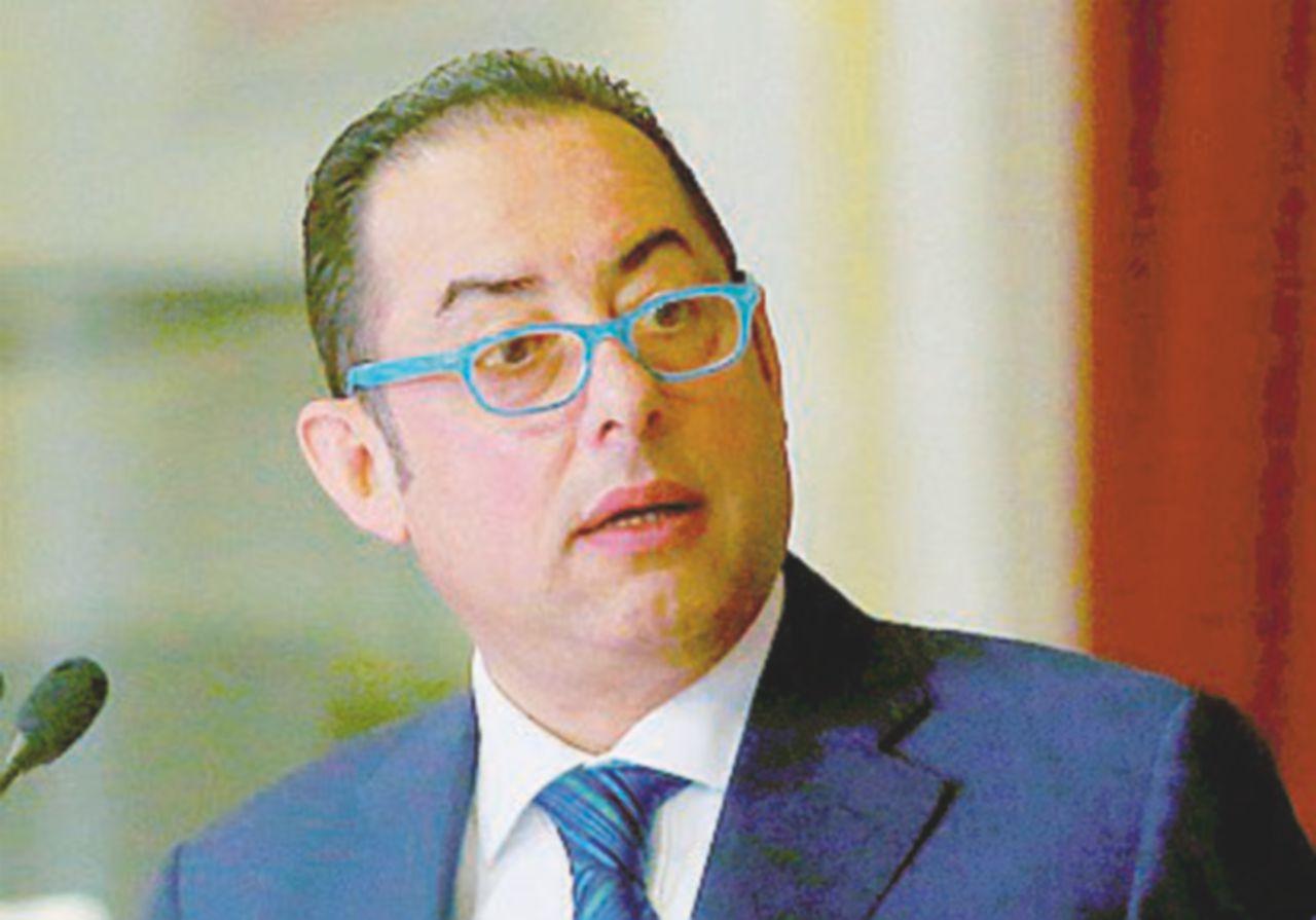 La riforma dei miracoli: il Sì salva anche il noleggio con conducente (parola di Pittella)