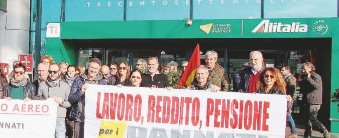 """""""Duemila esuberi in Alitalia"""". Ma è meglio dirlo dopo il voto"""