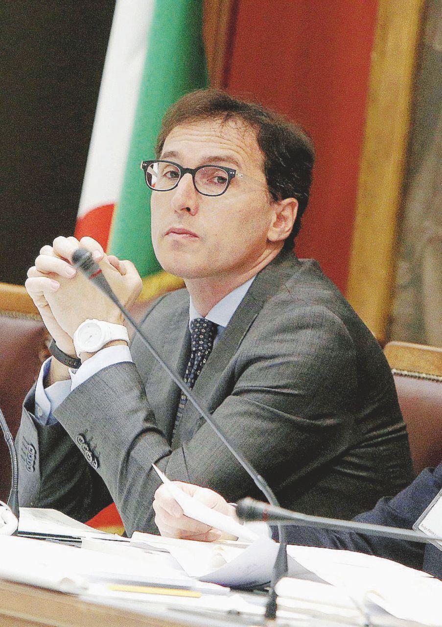 """""""Giocano col fuoco: Renzi deve dire che interverrà lo Stato"""""""