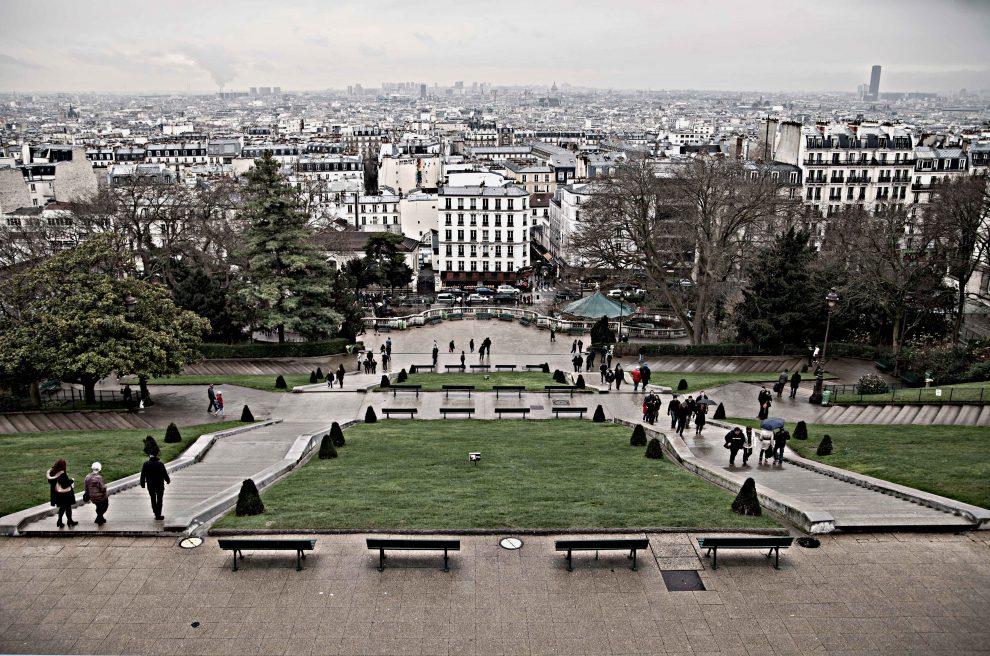 """L'esplanade del Sacro Cuore, a Parigi: Modigliani era solito passeggiare di notte e recitare qui poesie (foto dalla mostra """"I luoghi di Modigliani tra Livorno e Parigi"""")"""