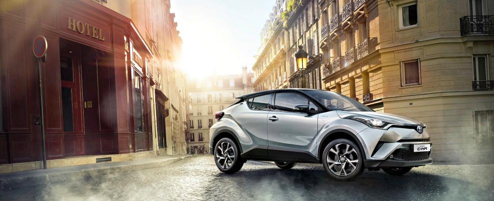 Toyota C-HR, la prova de Il Fatto.it – l'brido glamour si veste da coupé – FOTO