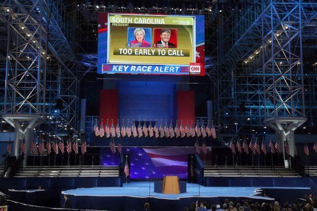 le-prime-proiezioni-al-comitato-elettorale-di-hillary-clinton-a-new-york