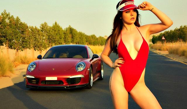 Calendario Donne Hot.Miss Tuning 2017 Il Sexy Calendario Dei Motori Foto E