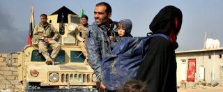 """Mosul, esercito iracheno: """"Trovata fossa comune con 100 cadaveri decapitati"""""""
