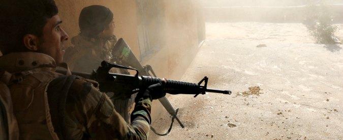 """Mosul, Hrw: """"Raid aereo della coalizione ha ucciso 8 civili, cinque erano bambini"""""""