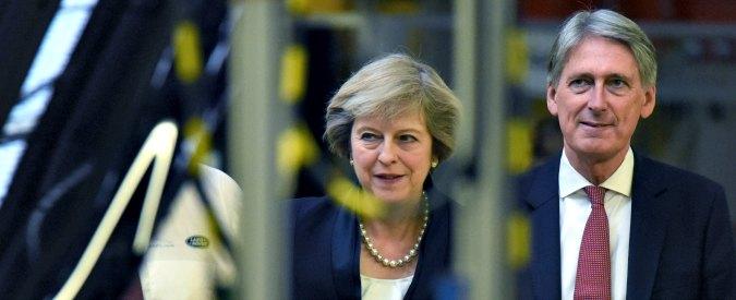 """Londra, nel post Brexit il governo Tory punta alla working class: """"Fondi per edilizia popolare e salario minimo"""""""