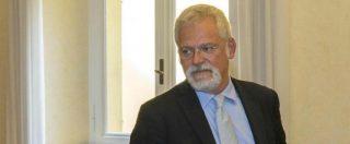 """Il senatore Campanella twitta: """"Anche per l'Aids #bastaunSì"""". Guerini: """"Vergognati!"""""""