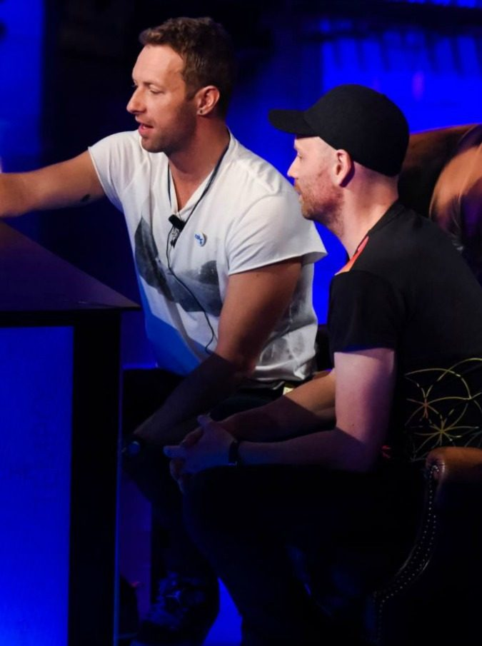 Coldplay a Che Tempo che Fa: ottimismo, sogni, colori e nemmeno una domanda dell'incisivo Fazio sul caso Live Nation