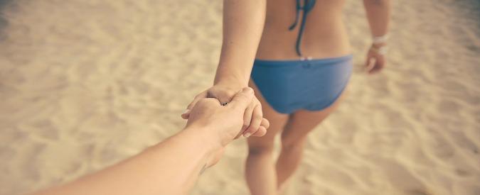 Ecosessuali, come provare piacere strusciandosi sulla sabbia