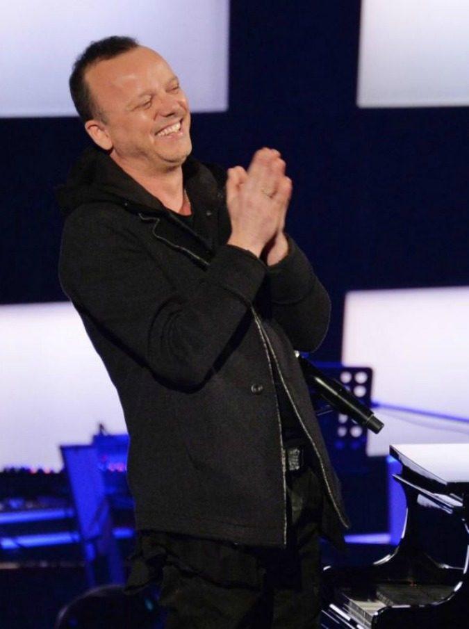 """Domenica Live, Gigi D'Alessio (annunciato da Renzi) alla D'Urso: """"Valeria Marini? Sul prestito moralmente ho ragione io"""""""
