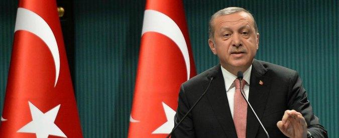 """Turchia, Erdogan minaccia l'Europa: """"Permetteremo ai rifugiati di varcare le frontiere"""""""
