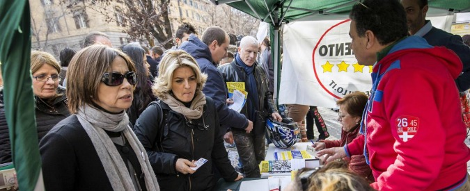 Firme false Palermo, al banchetto M5s spunta l'indagato. Gli attivisti protestano