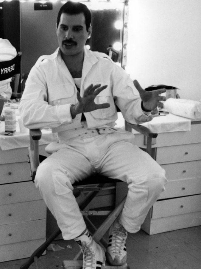 Freddie Mercury Il 24 Novembre Moriva Il Frontman Dei Queen