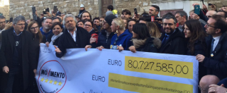 """M5s, Grillo a Firenze per il Restitution Day: """"80 milioni di ragioni per votare No al referendum"""""""