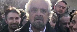 """Referendum, Grillo ci prova anche con l'ipnosi: """"Guardatemi… adesso andate a votare"""""""