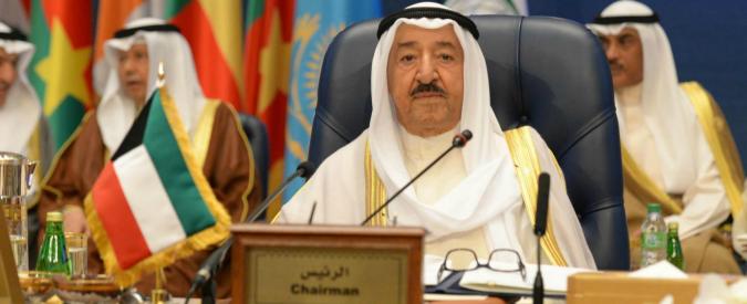 Kuwait, cambia la legge: maggiorenni a 16 anni. E i rischi arrivano dal web