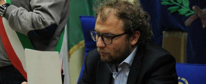"""Napoli, furto nell'auto del sottosegretario Luca Lotti. Pd Campania: """"Chi amministra si assuma responsabilità"""""""