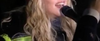 """Elezioni Usa 2016, a New York concerto a sorpresa di Madonna per sostenere Hillary Clinton: """"Salvate questo paese"""""""