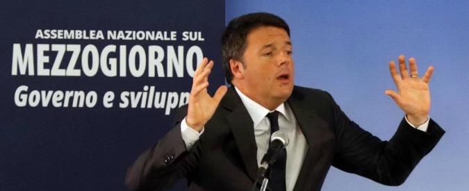 Renzi a Napoli tra slogan per il Sì e siparietti con De Luca. All'esterno scontri tra manifestanti e polizia