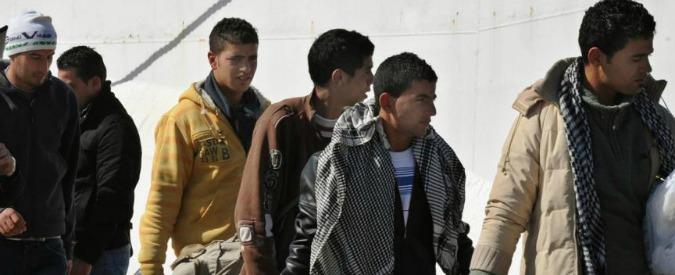 Migranti, bomba nella notte distrugge futuro centro di accoglienza in Gallura