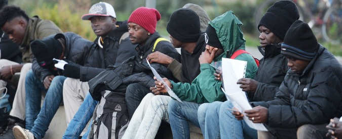 Verona, migranti protestano per le condizioni del cibo: bloccato il traffico
